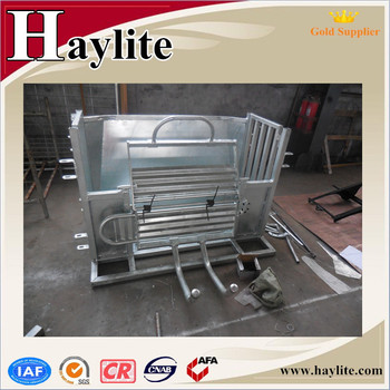 Factory price Fully Galvanised Roll Over Sheep Crate