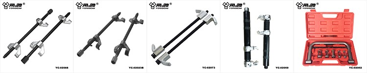 Telescopic wheel removal tool for truck