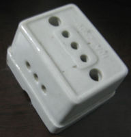Porcelain socket and plug