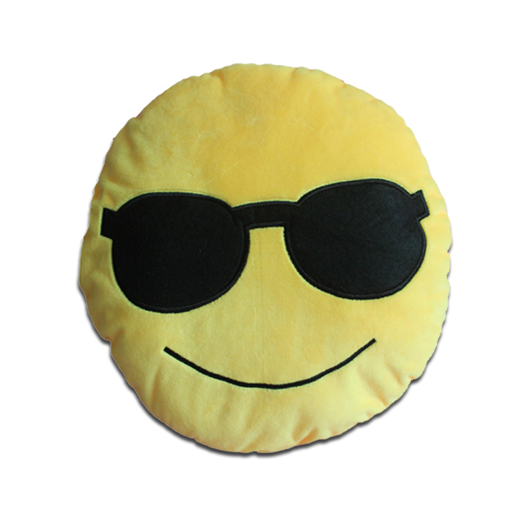 Wholesale smiley emoticon round cushion stuffed plush emoji pillow