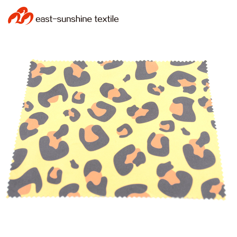 70 polyester 30 polyamide glasses cleaning cloth with embossed logo