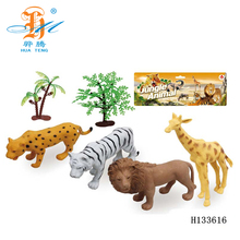 wholesale plastic wild lifelike animal toy set animal figurines toy H133616