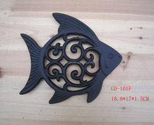 home and garden decoration cast iron fish decorated kitchen trivet