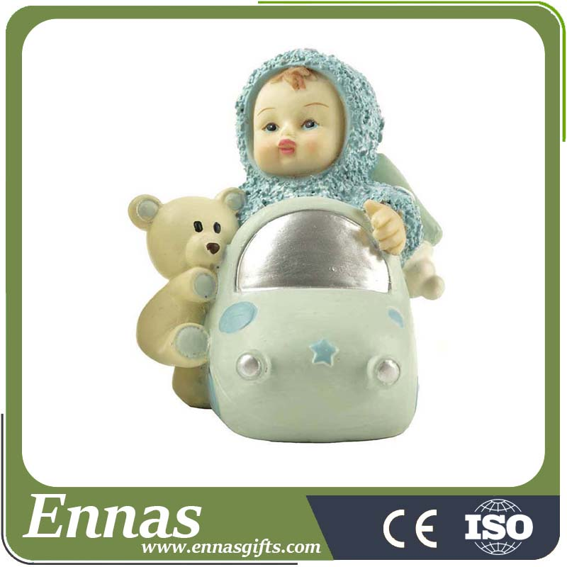 Factory hot sales resin baby figures with certificate