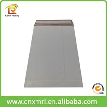 China Cardbaord Mailer Factory Custom Rigid Photo Mailers Stay Flats White Cardboard Self Seal Envelopes