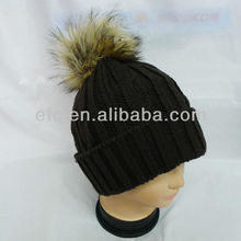 2013 Trendy Fake Fur Pompon Knit Hat with Pompon knitted hat with speakers