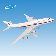 Malaysia airlines plane 35cm b747 1/200 model