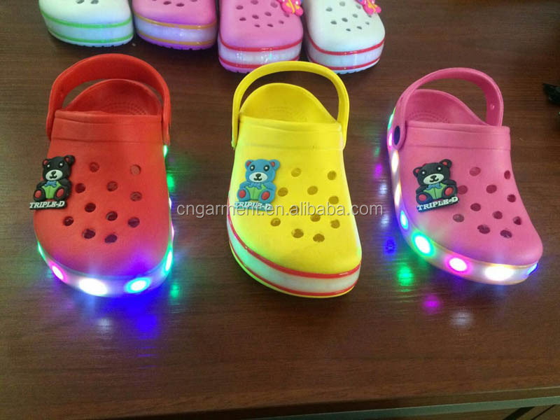 Fashion led light kids clogs shoes, charming kids led light up garden clogs shoes, led light flash HK5E116