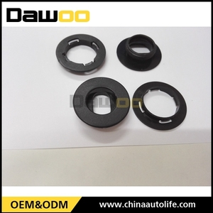 wholesale China auto plastic clips fastener for car mat