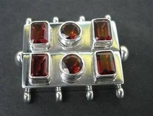SS Bayonet Clasp 4 Strands with Garnet