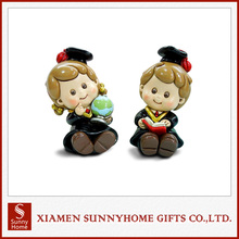 2017 Wholesale Cute Resin Phd Graduates Toy Animated Money Bank