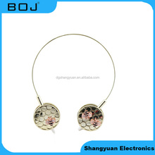 Wholesales Factory Fashion Decoration Headphone Plastic Stereo Headphone Wired Length 1.2m with 3.5mm Plug