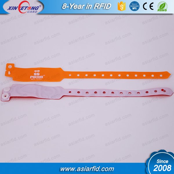 Disposable RFID PVC Wristband ISO7815 LF TK4100 Read only Wristband