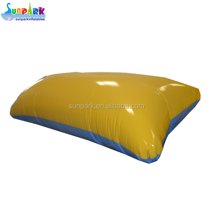 Safe Summer Water Toys Lake Inflatable Water Blob/Inflatable Water Launch Bag