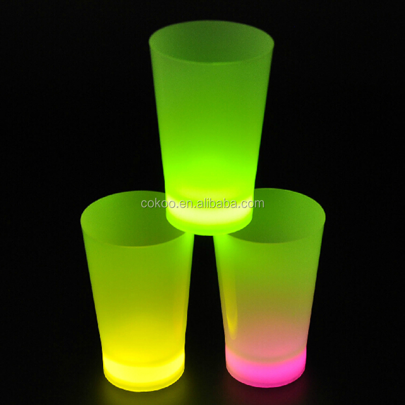 Manufacture And Design Hot Selling Clear Led Glow Plastic Cups