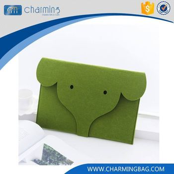 Top selling custom design green animal button letter shape felt bag