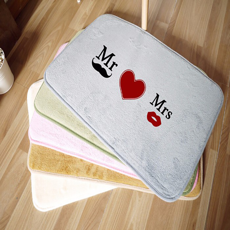 Popular Fashion Modern Style Heart Image And Non Slip Bath Mat Foot Towels