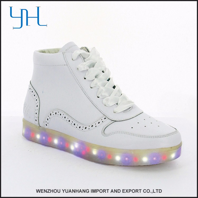 New model new design accepted OEM Women PU shoes led