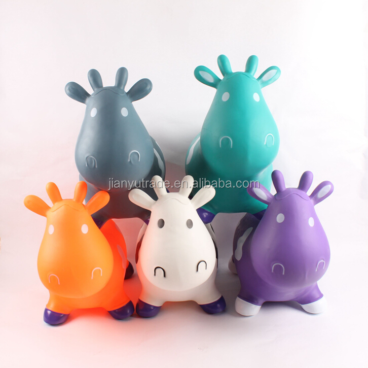 Beautiful colorful hot sale PVC inflatable Toy Animal and bouncing plastic jumping animal with cow designfor kids