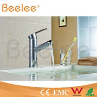 New Design Chrome Plated single handle Hot Cold Water Mixer Tap with pull-out spray