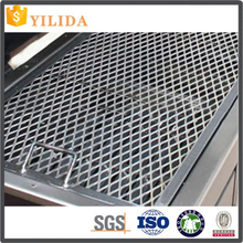 Galvanized expanded metal mesh for walkway