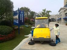 Full automatic operation industrial electric vacuum floor street sweeper