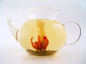 Lily blooming tea
