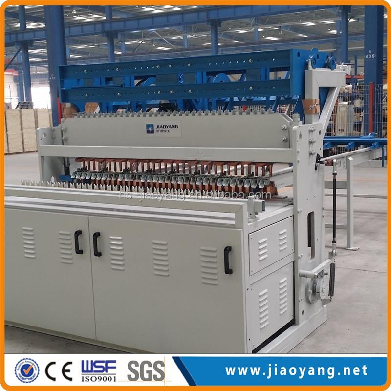Building material wire mesh fence panel welding machine from China