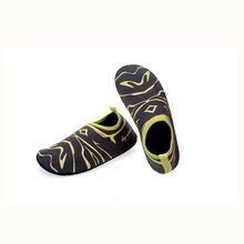 Competitive price wholesale professional surfing shoes neoprene water shoes beach aqua shoes