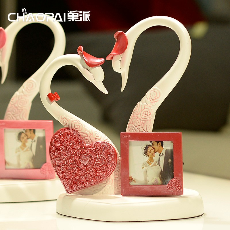 Home Decorative Swan with fram Resin ornament