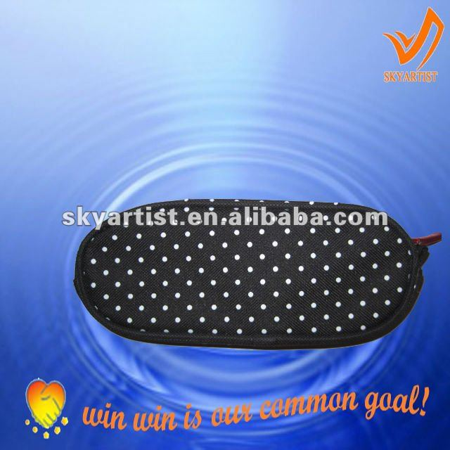 sports and leisure fashionable 600d polyester dots pencil bag