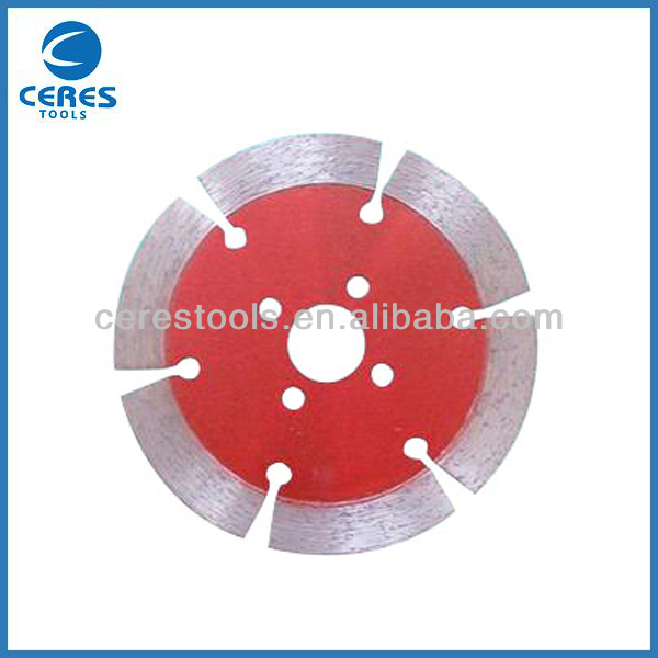 Segmented diamond saw blade for brick stone and concrete cutting