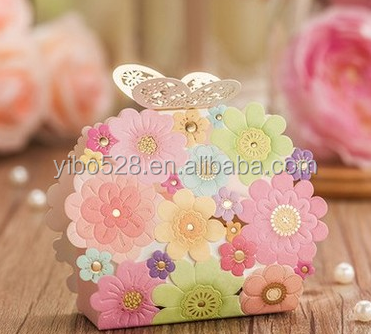 Romantic and Elegant Wedding Favors Gift Bag Luxury White Party Laser Cutting Flower Sweet Candy box