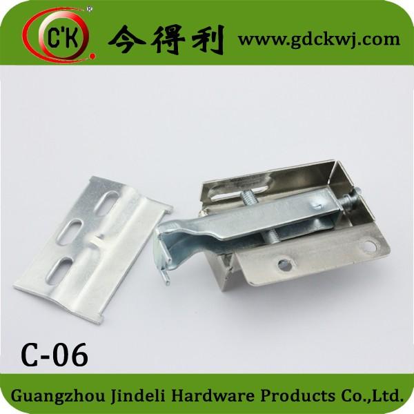 hanger C-06.jpg