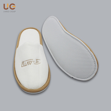 Disposable Closed Toe White Cotton Waffle Embroidery Hotel Slipper
