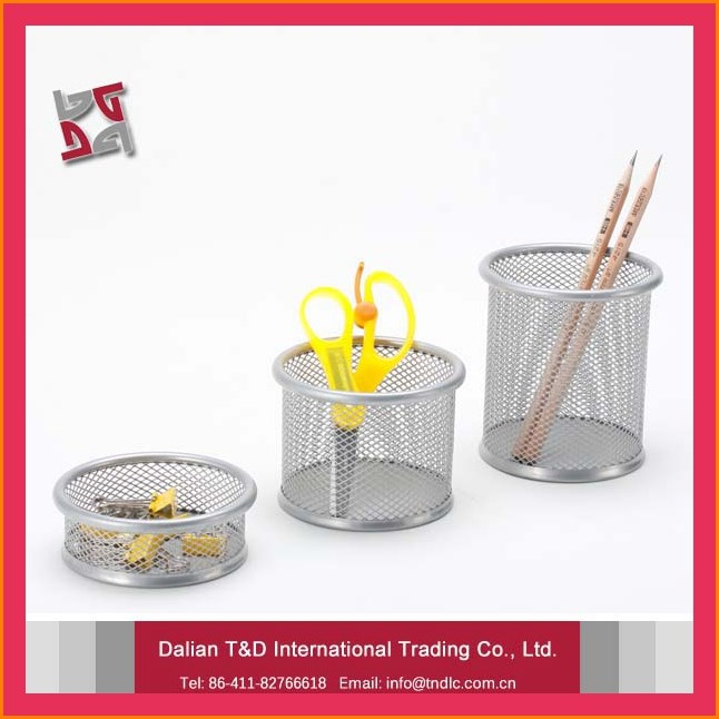 B8802 factory best selling promotional gifts office and school desk organizer metal mesh round pen holder