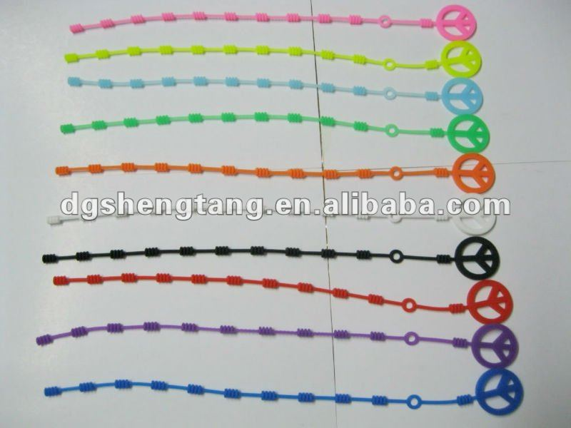 China Supplier Cheapest Silicone Rubber Charm Bracelets for Kids
