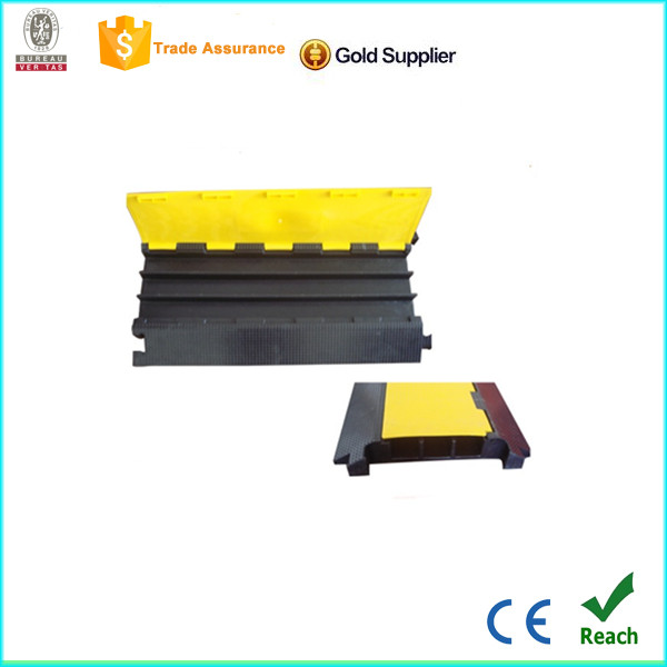 wholesale 3 channels rubber speed hump horse trailer ramp