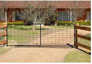 Iron mesh farm fence gate