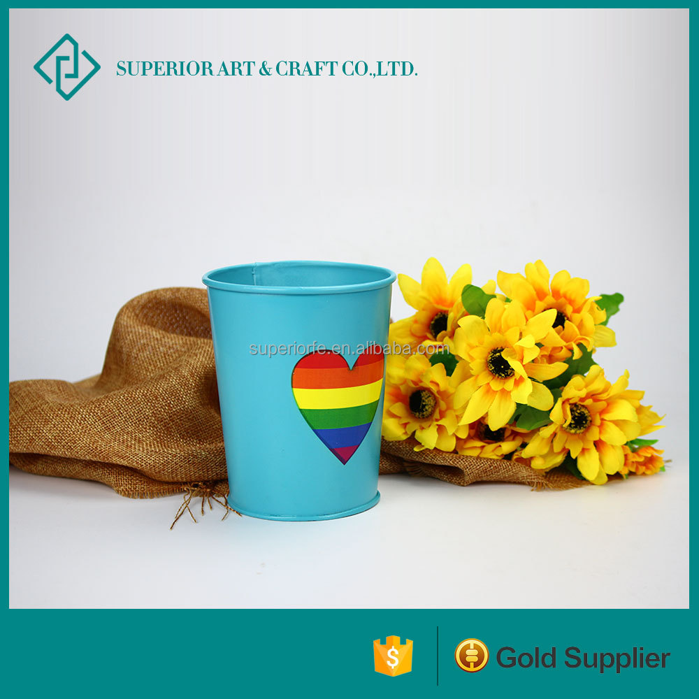 2016 New Design Rainbow Color Heart Painting Iron Flower Pot For LGBT