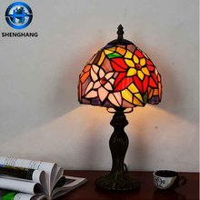 China wholesale banker table lamp antique design tifffany laser cut glass lamp shade