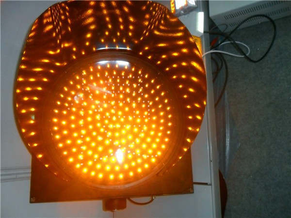 300mm solar powered led traffic light yellow flashing warning light