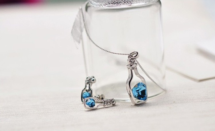 Drifting Bottle Crystal Necklace with Heart Necklace Pendant Free Shipping