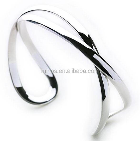 Unique High Polished Design Stainless Steel Timeless Bangle
