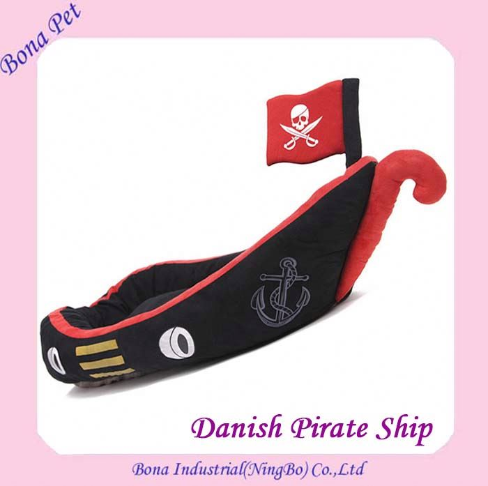 New Design Danish Pirate Ship Warm Pet Dog Cat Bed