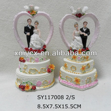 Polyresin wedding giveaway gift for sale.