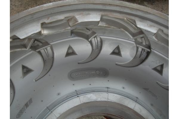 Custom Mine Car OTR Tyre <strong>Mould</strong> , high precision Solid Tire <strong>Mould</strong>