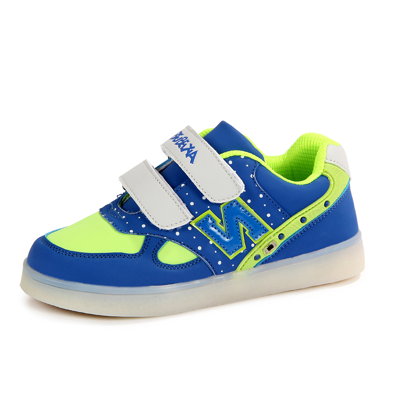2015 led fashion close skin kids shoes with blinking light,girls shoes