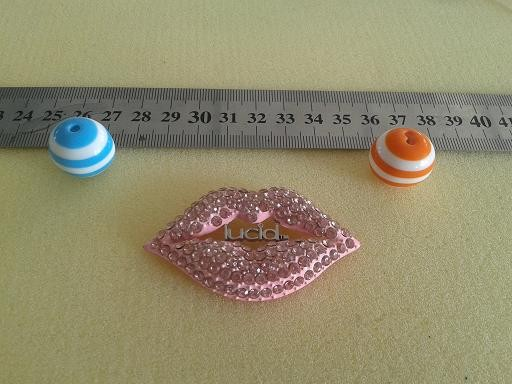 customized letter crystal metal lip charms sexy lip charm accessory jewelry