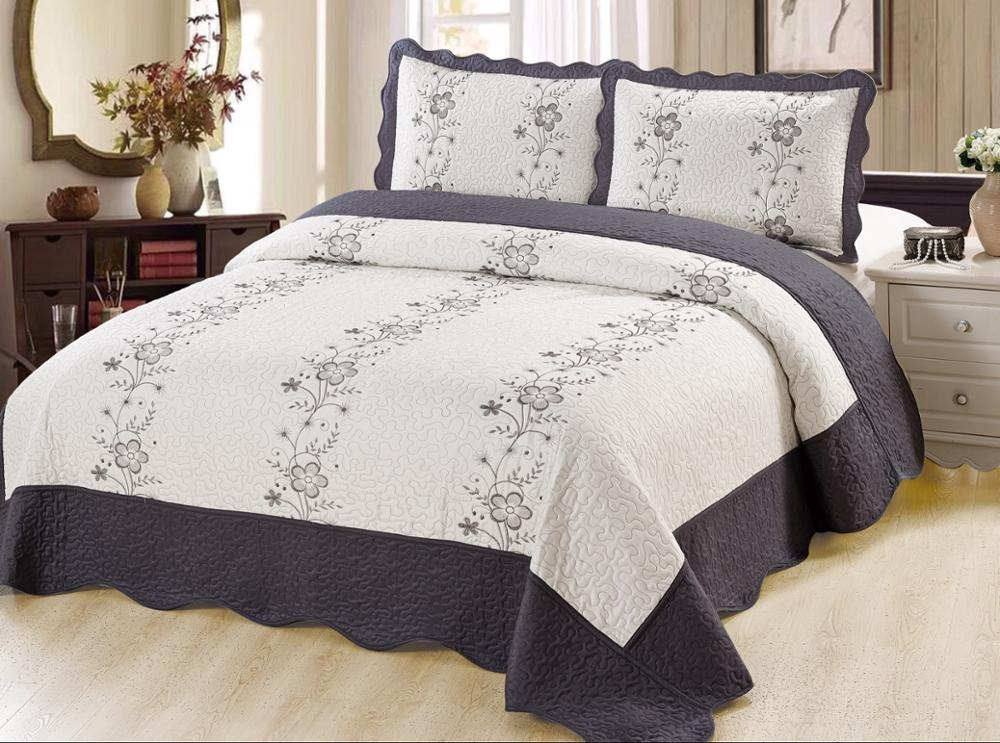 Wholesale 200gsm 50% polyester 50% cotton colourful embroidery bedspread